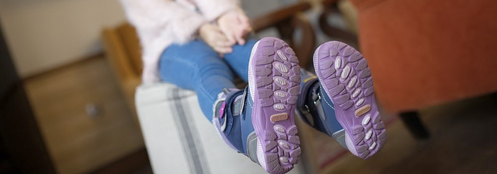 Зимове дитяче взуття: як зберігати, якщо в квартирі мало місця? Корисні ідеї та фото Babyfoot